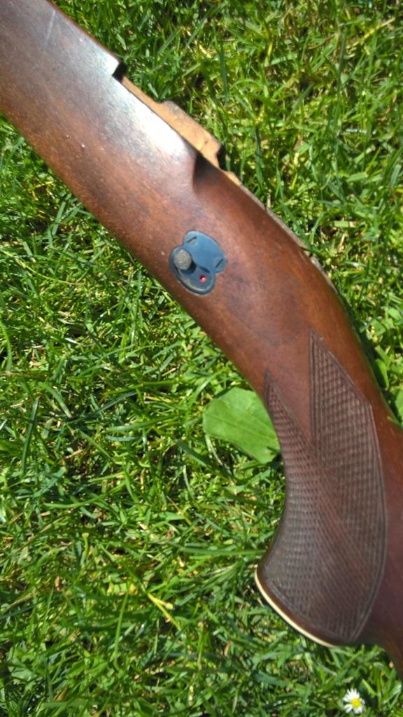 Drevena pazba na MAUSER M98 s BOCNOU POISTKOU
